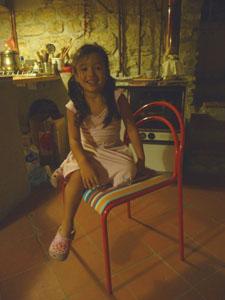 ユキちゃんの勉強机と椅子_f0106597_18233280.jpg