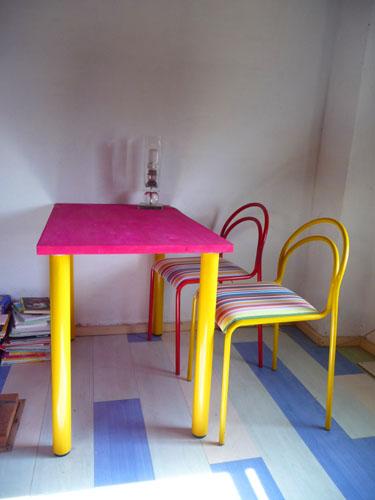 ユキちゃんの勉強机と椅子_f0106597_18243328.jpg