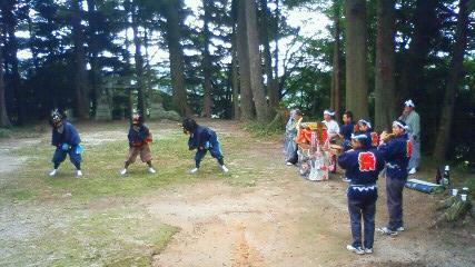 高田島三匹獅子舞_d0003224_11313715.jpg