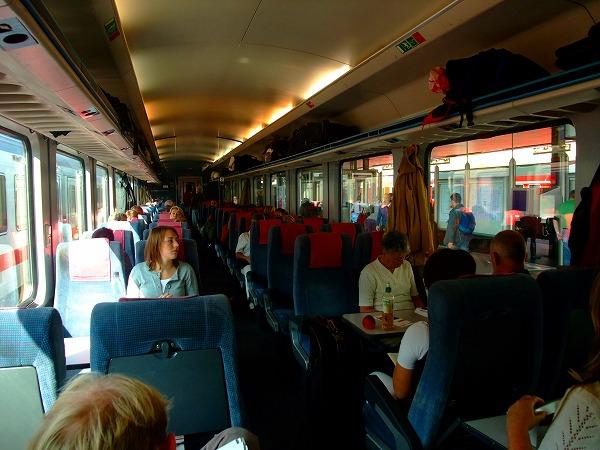 ドイツ鉄道の旅のはじまりはじまり_f0050534_1312318.jpg