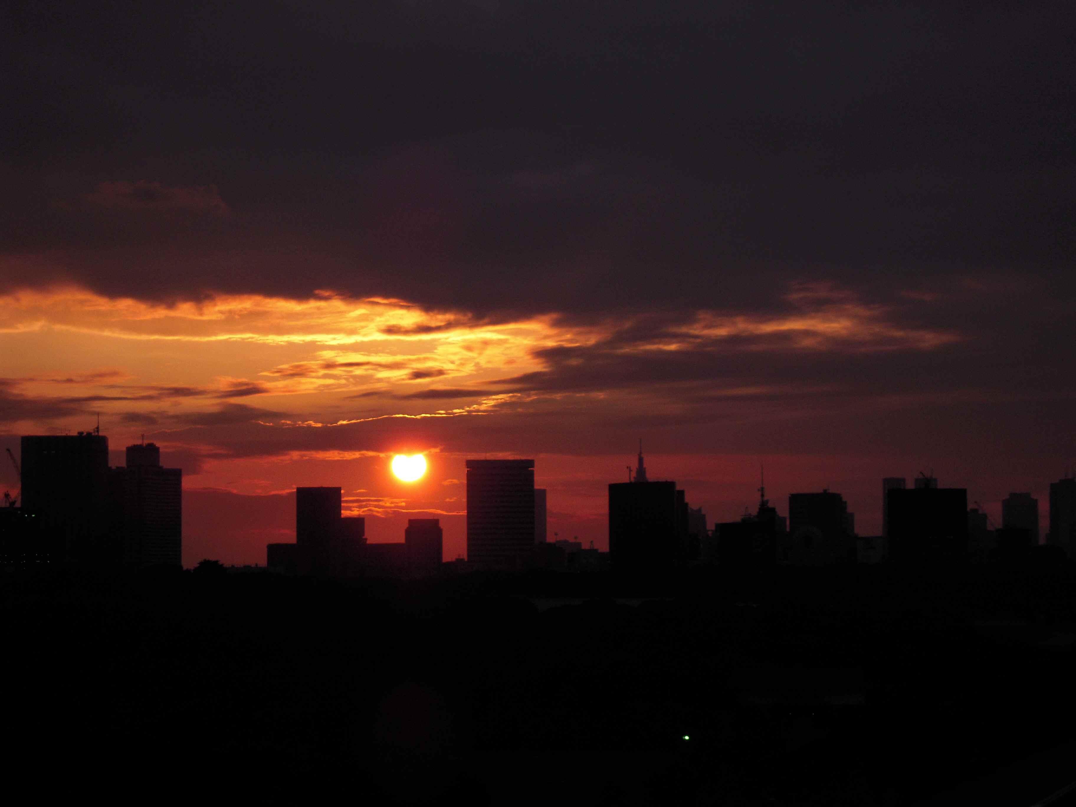 鈍(にび)色と夕日_d0135762_22285822.jpg