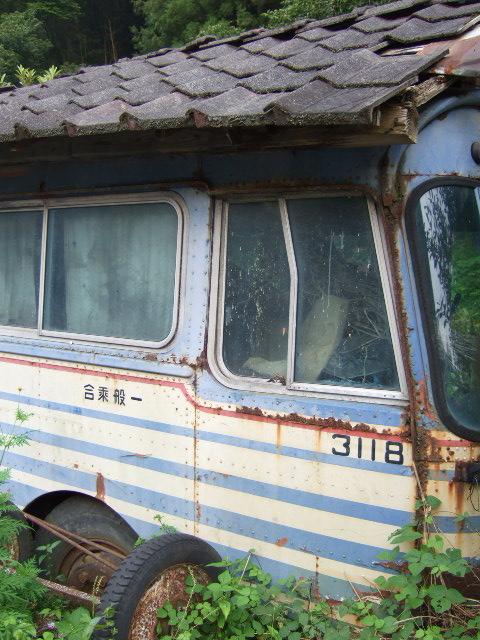 そのバス、行き先は…_a0094280_2116208.jpg