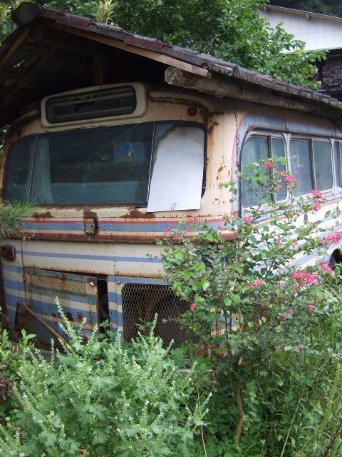 そのバス、行き先は…_a0094280_2116258.jpg