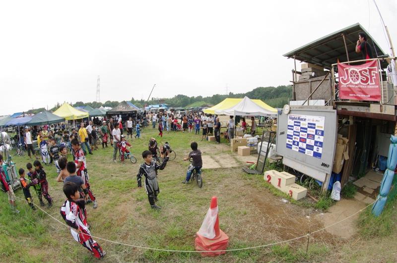 2008緑山ジャパンオープンナイトレース最終回:コース外の風景_b0065730_10213287.jpg