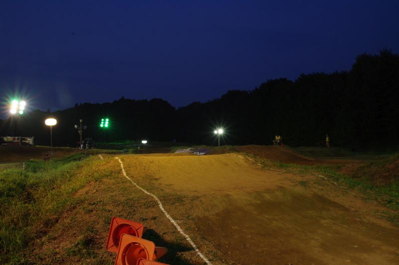2008緑山ジャパンオープンナイトレース最終回:コース外の風景_b0065730_1027411.jpg