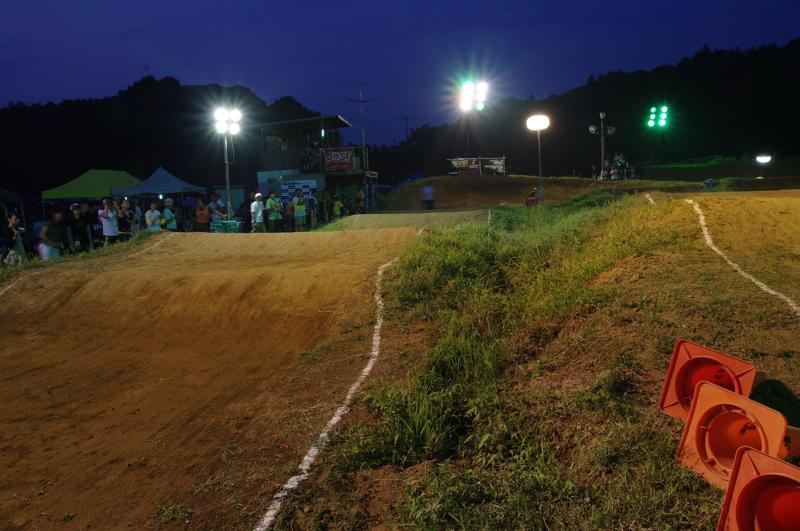 2008緑山ジャパンオープンナイトレース最終回:コース外の風景_b0065730_10275913.jpg