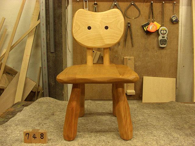 ローテーブル・大ねこ飾り棚・花台・子ねこ椅子_e0072513_8265717.jpg