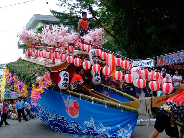 熊野筆まつり 彼岸舟、榊山神社へ登る_b0095061_11415985.jpg