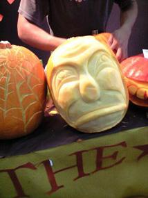 ハロウィンかぼちゃのカービング_f0179528_14495621.jpg