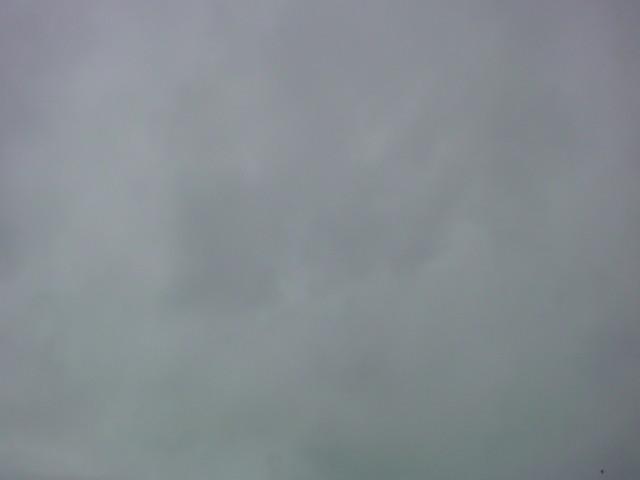 今日も…曇り空です。_e0051174_7334751.jpg