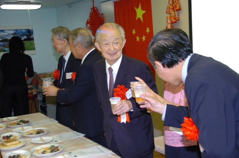 东京中国留学生欢度国庆 祝福神七_d0027795_11274199.jpg