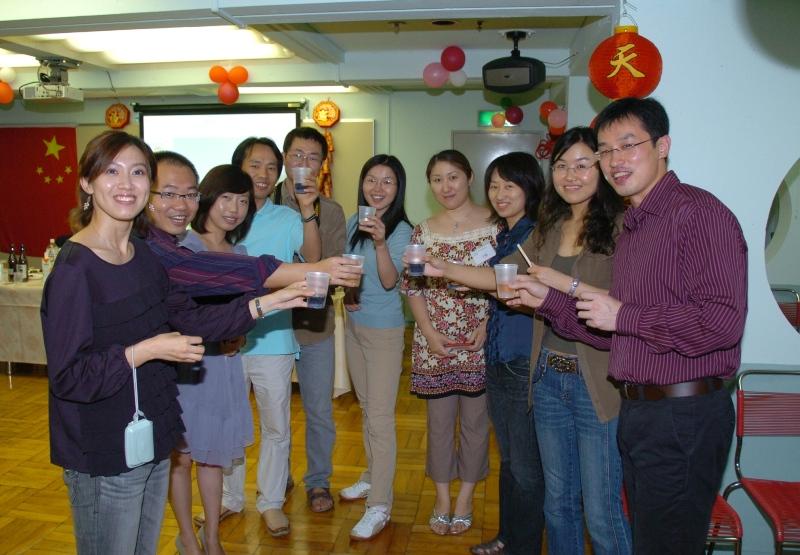东京中国留学生欢度国庆 祝福神七_d0027795_11281728.jpg