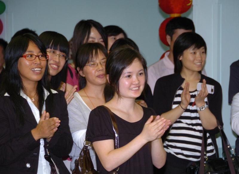 东京中国留学生欢度国庆 祝福神七_d0027795_11285314.jpg