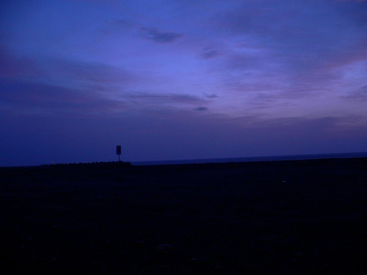 未明の海で_f0157812_12231216.jpg