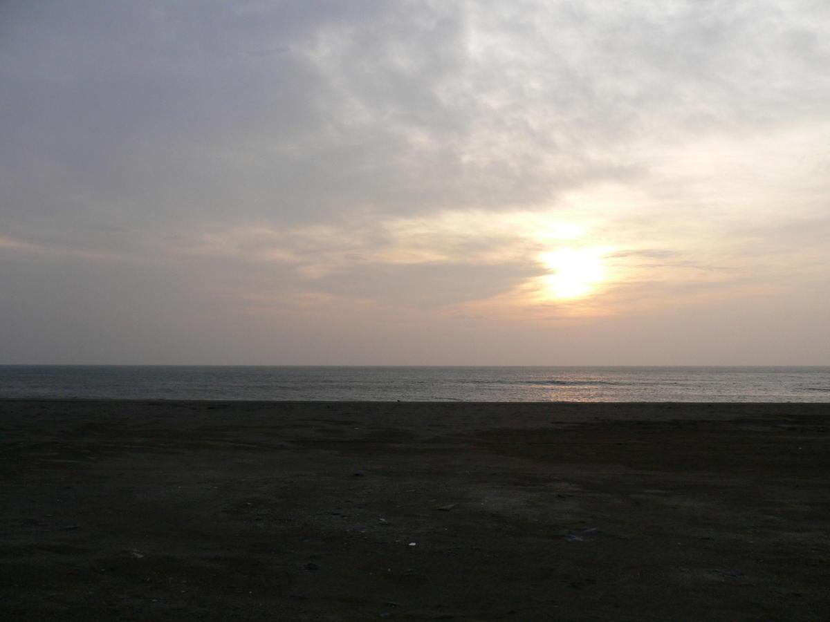 未明の海で_f0157812_12232619.jpg