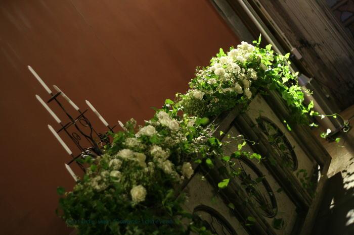 東京女子大学 教会の装花 白バラの時_a0042928_22113838.jpg