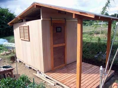 畑に物置小屋が出来るまで 11_c0063348_6375694.jpg