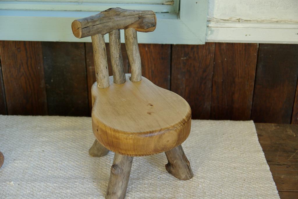 可愛いオーラを放つ椅子♪_a0107184_194647.jpg
