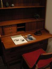 Writing Desk (DENMARK)_c0139773_18345250.jpg