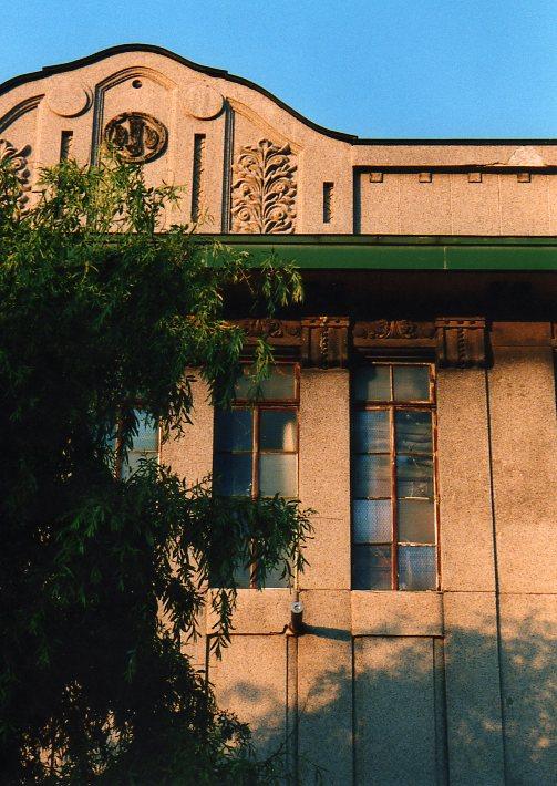 函館銀座通り・レトロ建築コレクション(その1、旧ホテル中央荘)_f0142606_23161054.jpg