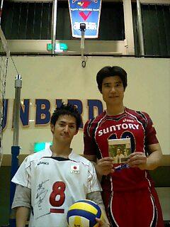 僕と荻野選手。_f0056929_2027389.jpg