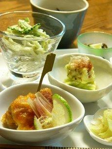 小鉢にいろいろ楽しい☆Café風おつまみゴハン♪_c0139375_15581639.jpg