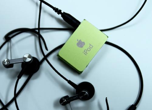 iPod shuffle復活_a0002672_10454137.jpg