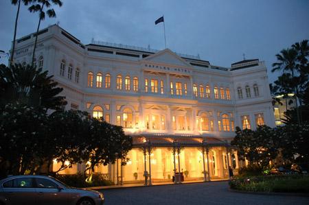 シンガポール、ラッフルズ・ホテルと旅人の木_b0053082_1524532.jpg