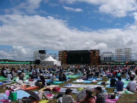 RISING SUN ROCK FESTIVAL 2008 in EZO 2日目ライブレポート_b0159588_2111118.jpg