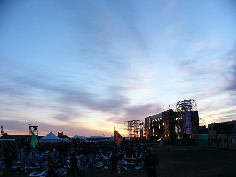 RISING SUN ROCK FESTIVAL 2008 in EZO 2日目ライブレポート_b0159588_21184789.jpg