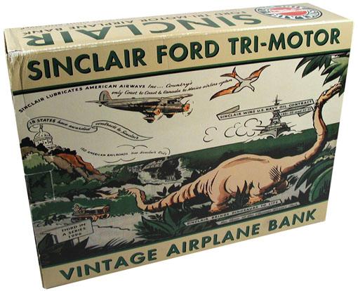 飛行機でシンクレア恐竜で貯金箱。_a0077842_12522433.jpg