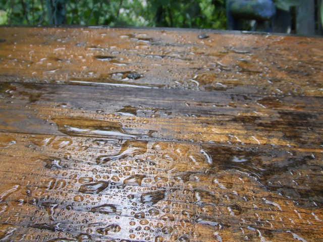 大谷塗料のバトンを塗ると雨が降る_f0188408_1481967.jpg