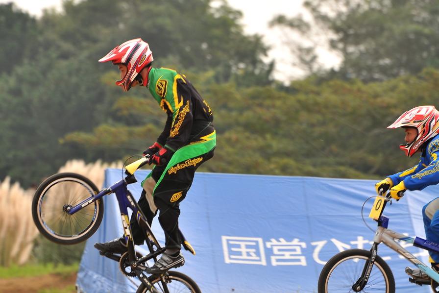 第55回全日本プロ選手権自転車競技大会BMX競技INひたち:全クラスの予選その2_b0065730_6555960.jpg