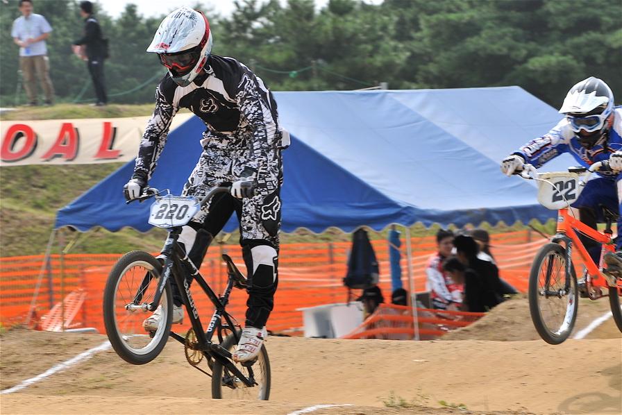 第55回全日本プロ選手権自転車競技大会BMX競技INひたち:全クラスの予選その2_b0065730_70037.jpg