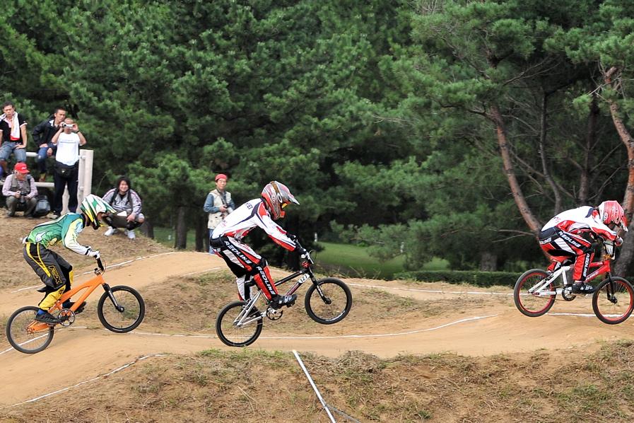 第55回全日本プロ選手権自転車競技大会BMX競技INひたち:全クラスの予選その2_b0065730_7103052.jpg
