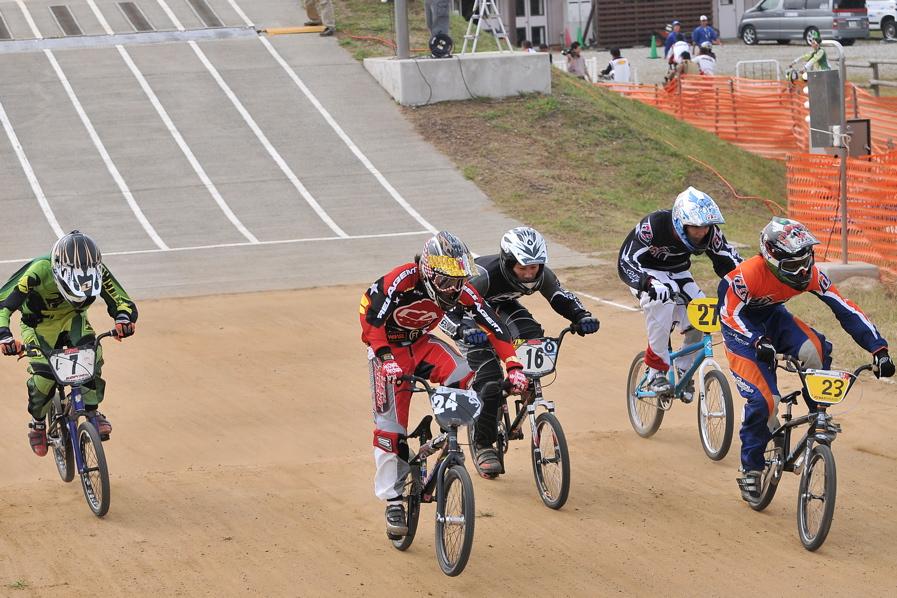 第55回全日本プロ選手権自転車競技大会BMX競技INひたち:全クラスの予選その2_b0065730_712477.jpg