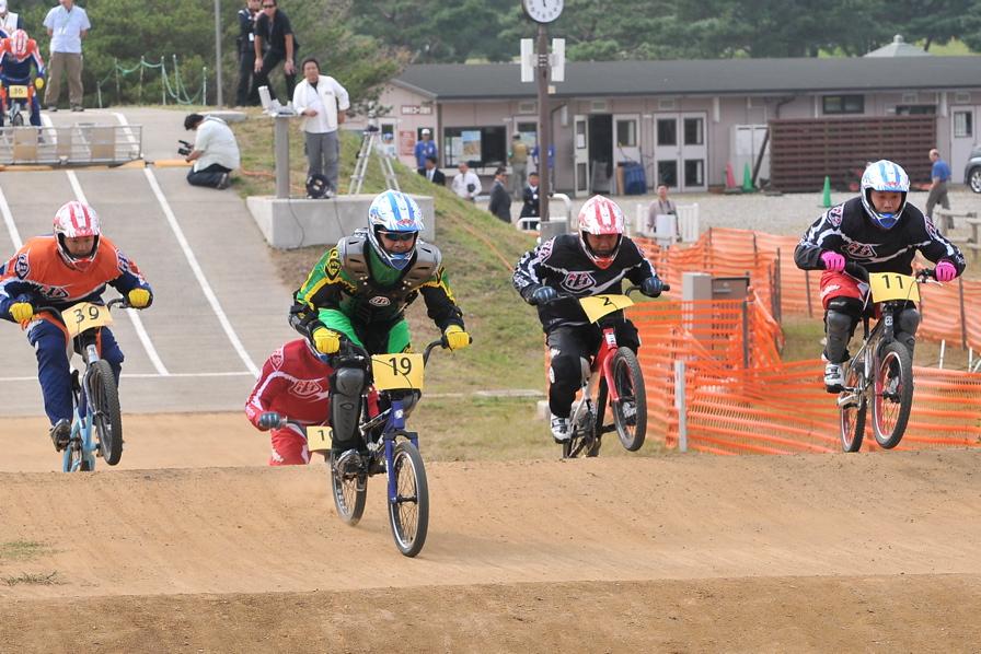 第55回全日本プロ選手権自転車競技大会BMX競技INひたち:全クラスの予選その2_b0065730_713294.jpg