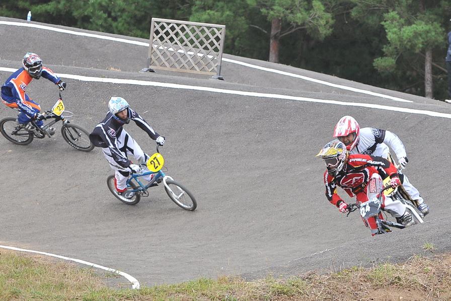 第55回全日本プロ選手権自転車競技大会BMX競技INひたち:全クラスの予選その2_b0065730_7145073.jpg