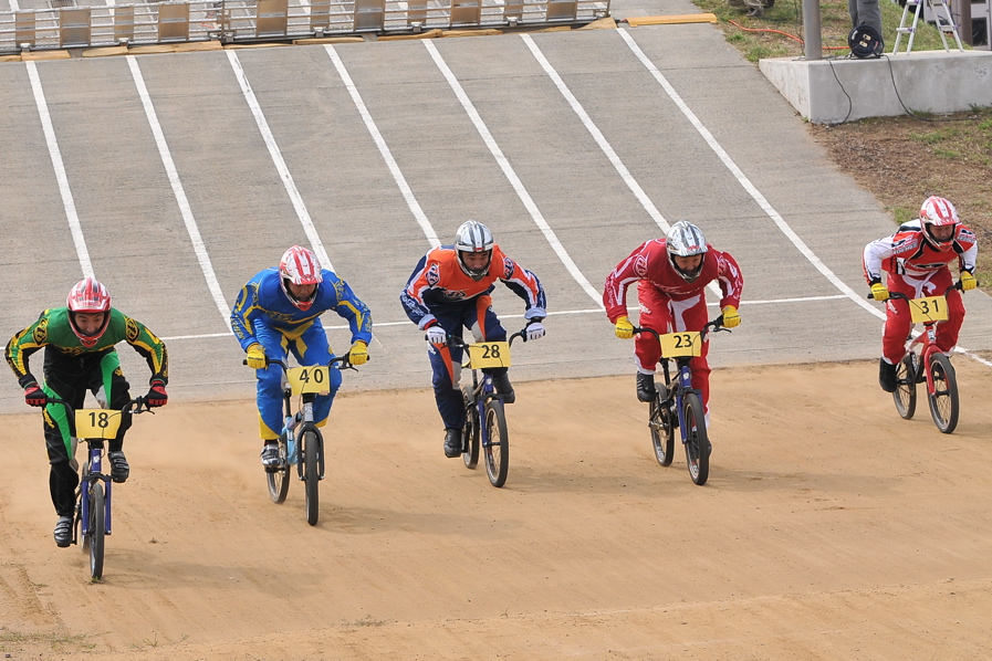 第55回全日本プロ選手権自転車競技大会BMX競技INひたち:全クラスの予選その2_b0065730_753270.jpg