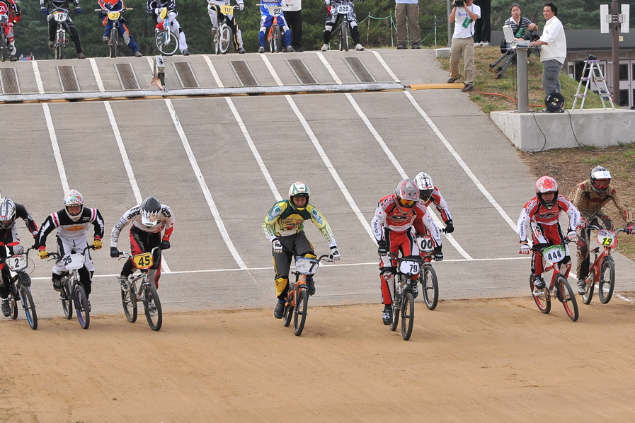 第55回全日本プロ選手権自転車競技大会BMX競技INひたち:全クラスの予選その2_b0065730_765692.jpg