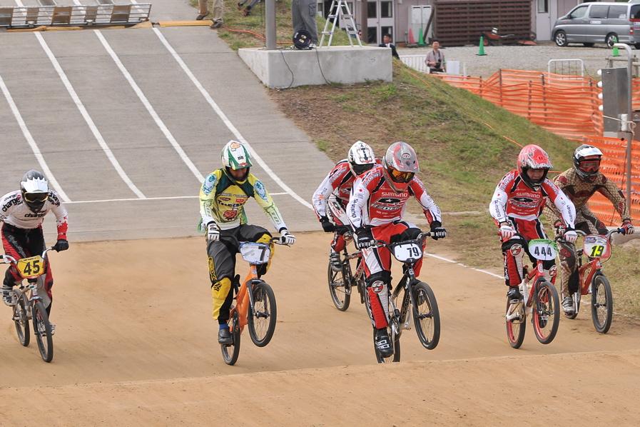 第55回全日本プロ選手権自転車競技大会BMX競技INひたち:全クラスの予選その2_b0065730_771468.jpg