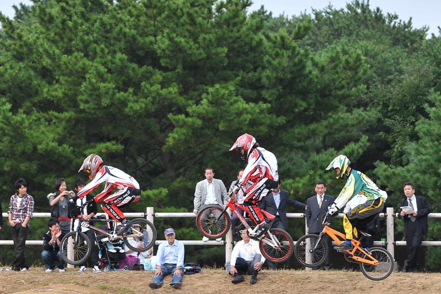 第55回全日本プロ選手権自転車競技大会BMX競技INひたち:全クラスの予選その2_b0065730_78381.jpg