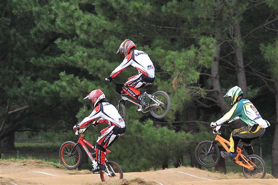第55回全日本プロ選手権自転車競技大会BMX競技INひたち:全クラスの予選その2_b0065730_79407.jpg