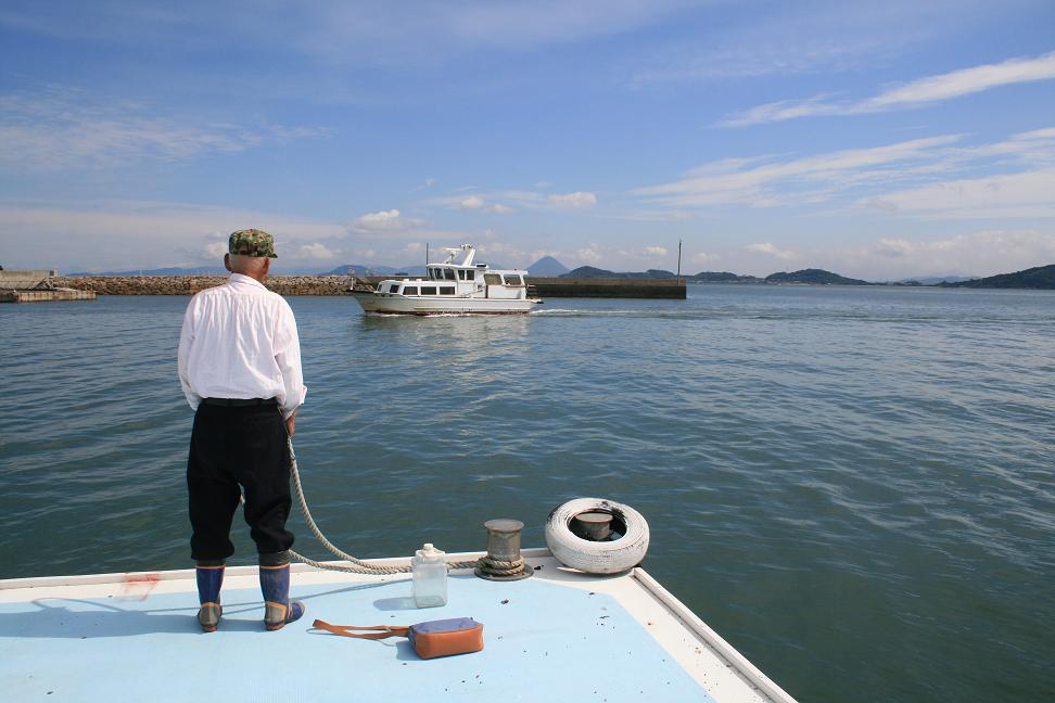 「男はつらいよ」ロケ地 ・琴島                    志々島は「雨のち曇りのち晴れ」_a0107574_0182530.jpg