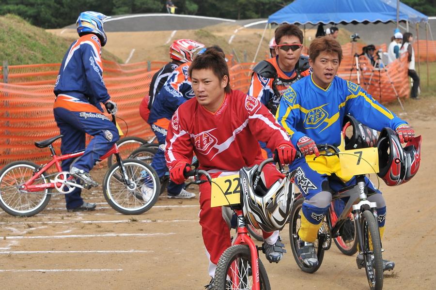 第55回全日本プロ選手権自転車競技大会BMX競技INひたち:全プロクラス準々決勝〜準決勝_b0065730_6553415.jpg