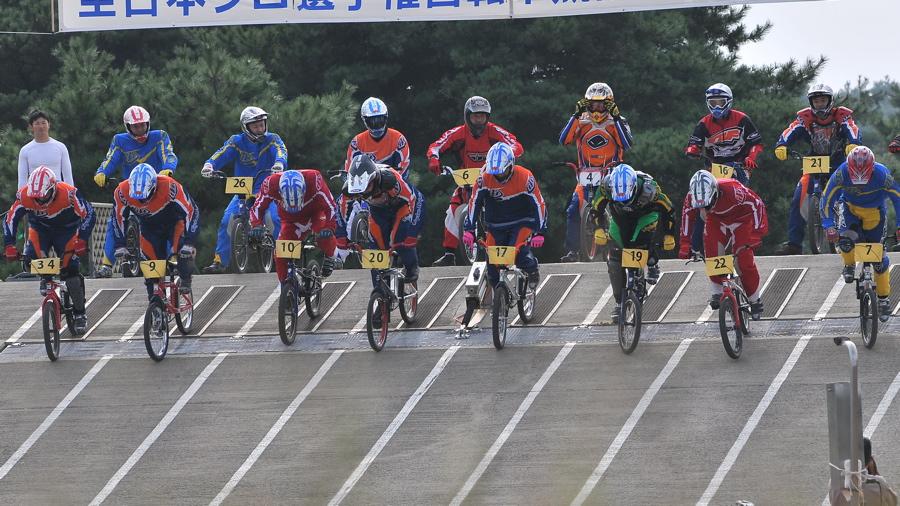 第55回全日本プロ選手権自転車競技大会BMX競技INひたち:全プロクラス準々決勝〜準決勝_b0065730_704180.jpg
