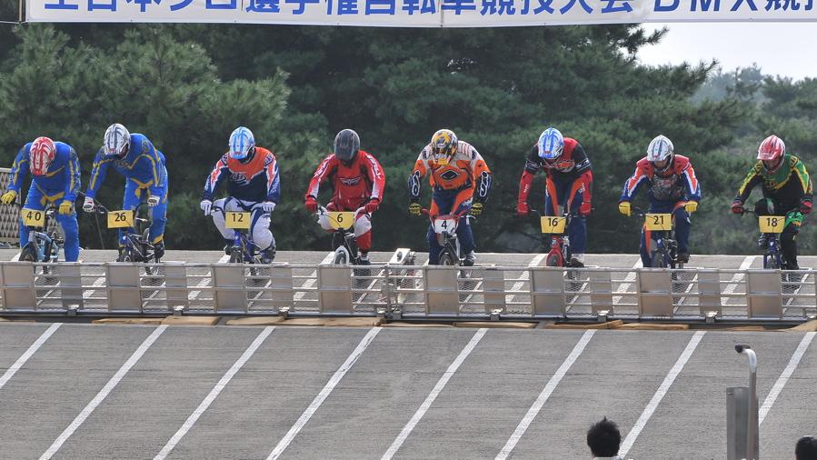 第55回全日本プロ選手権自転車競技大会BMX競技INひたち:全プロクラス準々決勝〜準決勝_b0065730_734922.jpg