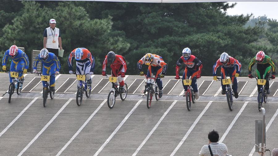 第55回全日本プロ選手権自転車競技大会BMX競技INひたち:全プロクラス準々決勝〜準決勝_b0065730_74040.jpg
