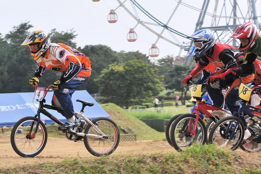 第55回全日本プロ選手権自転車競技大会BMX競技INひたち:全プロクラス準々決勝〜準決勝_b0065730_744175.jpg