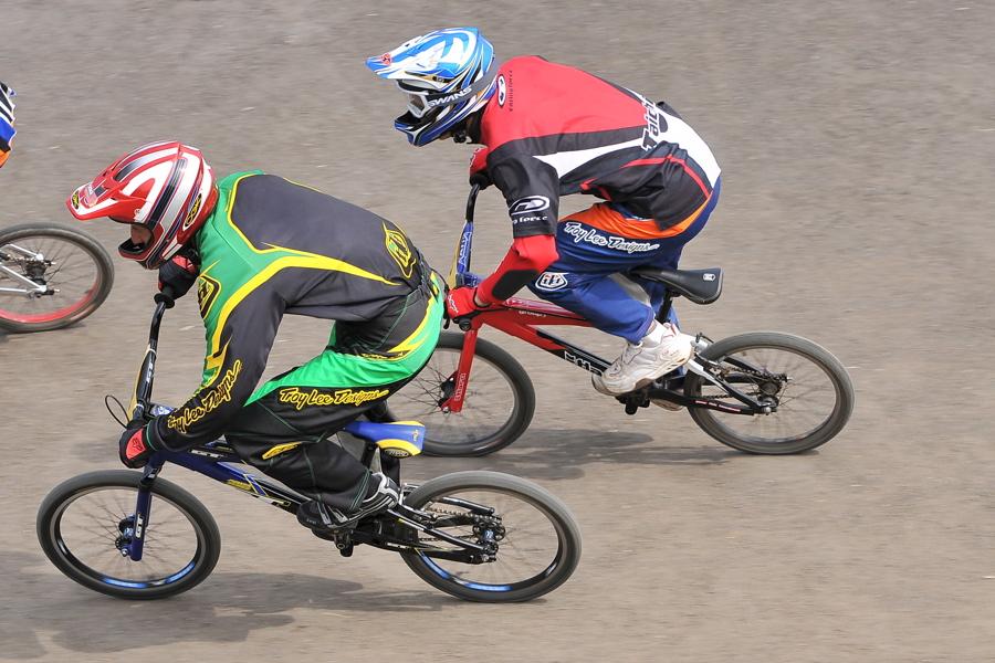 第55回全日本プロ選手権自転車競技大会BMX競技INひたち:全プロクラス準々決勝〜準決勝_b0065730_75520.jpg